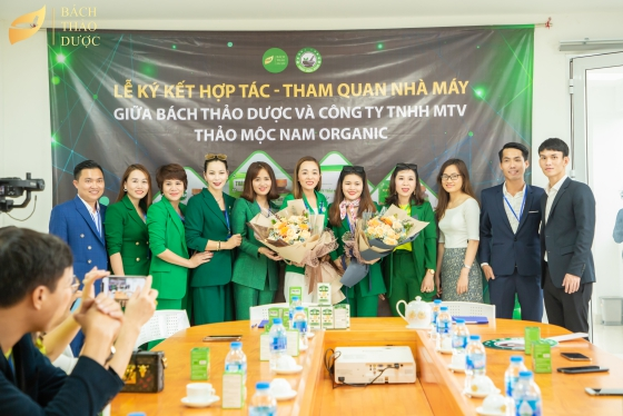 MTV Organic Thao Moc Nam Limited Company to contract and visit Bach Thao Duoc factory