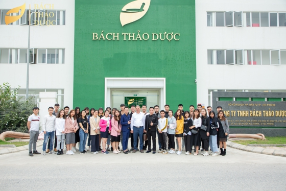 Winfa Limited Company was visited Bach Thao Duoc factory and attended a professional training session